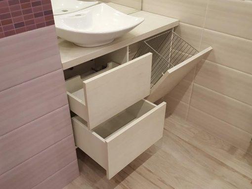 Шкафове за баня с ламинатно покритие