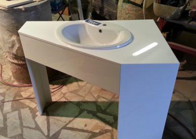 Ъглов шкаф за баня