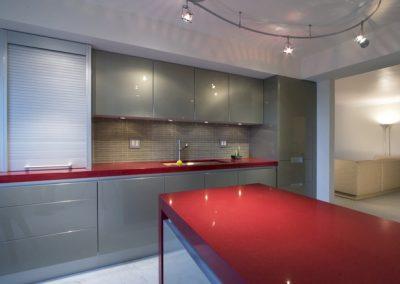 1106. Кухня по поръчка сиво металик МДФ гланц