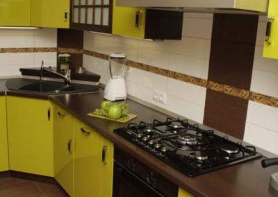 1107. Кухня по поръчка електриково зелено МДФ гланц