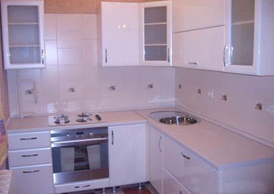 1113. Кухня по поръчка бяла МДФ гланц
