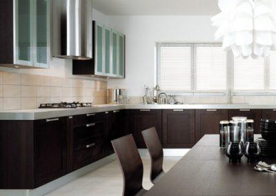 1202. Кухня по поръчка МДФ естествен фурнир цвят венге