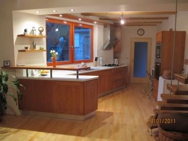 1209. Кухня по поръчка МДФ естествен фурнир цвят калвадос