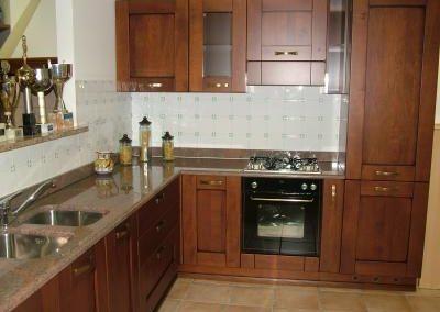 1218. Кухня МДФ естествен фурнир цвят калвадос