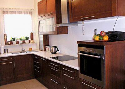 1235. Кухня по поръчка МДФ естествен фурнир цвят калвадос