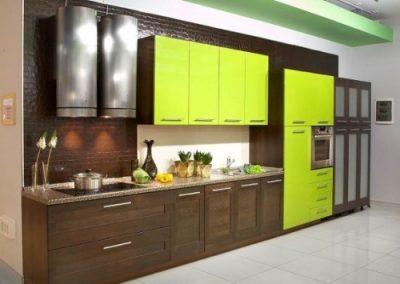 1241. Кухня по поръчка МДФ естествен фурнир цвят орех и зелено
