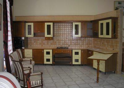 1242. Кухня по поръчка МДФ естествен фурнир цвят череша и крем мат