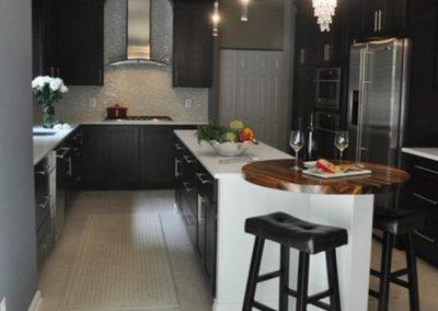 1251. Кухня по поръчка МДФ естествен фурнир цвят венге
