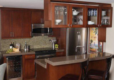 1254. Кухня по поръчка МДФ естествен фурнир цвят череша