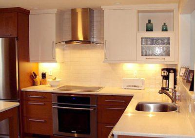 1258. Кухня по поръчка МДФ естествен фурнир цвят калвадос и бежаво мат