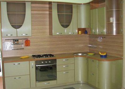 1312. Кухня по поръчка МДФ огъната гланц зелена перла