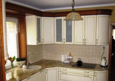 1315. Кухня по поръчка МДФ огънати врати състарена бяла