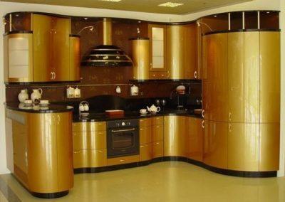 1318. Кухня по поръчка МДФ огъната златна перла