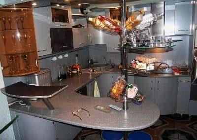 1326. Кухня по поръчка МДФ огъната сиво гланц