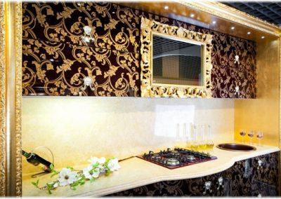 1327. Кухня по поръчка МДФ огъната принт по вратите и златни рамки