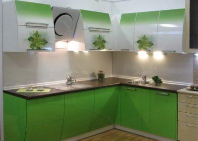 1331. Кухня по поръчка МДФ огъната гланц зелено преливащо (омбре ефект) и бяло с принт цветя