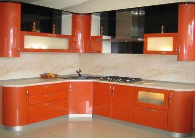 1346. Кухня по поръчка от МДФ огъната оранжево гланц