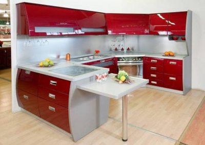 1347. Кухня по поръчка от МДФ огъната червено гланц