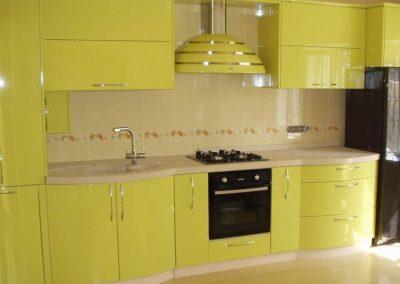1355. Кухня по поръчка от МДФ огъната лимонено жълто гланц
