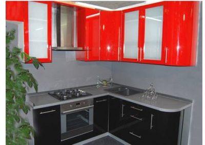 1370. Кухня по поръчка от МДФ огъната червено и черно гланц