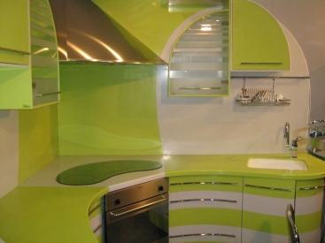 1371. Кухня по поръчка от МДФ огъната зелено и бяло гланц
