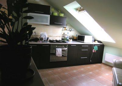 1420. Кухня по поръчка от ПДЧ дъб антрацит