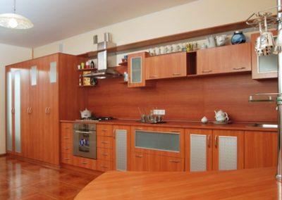 1422. Кухня по поръчка от ПДЧ светла череша