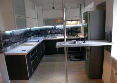 1432. Кухня по поръчка от ПДЧ крем и венге