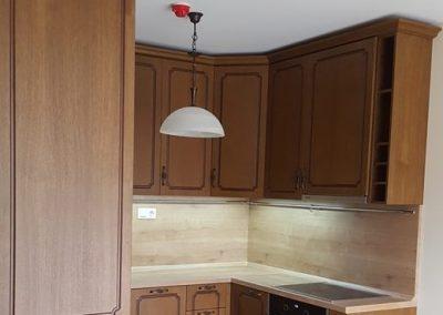 12011. Кухня по поръчка от МДФ фурнир тъмна череша