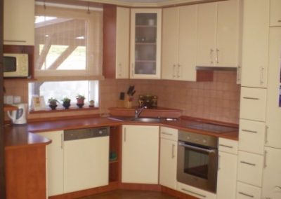 1612. Кухня МДФ с PVC покритие бежово