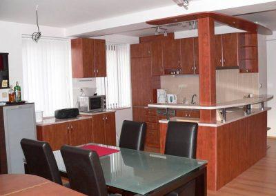 1613. Кухня по поръчка от МДФ с PVC покритие калвадос