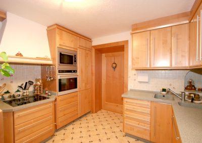1616. Кухня по поръчка от МДФ с PVC покритие бук