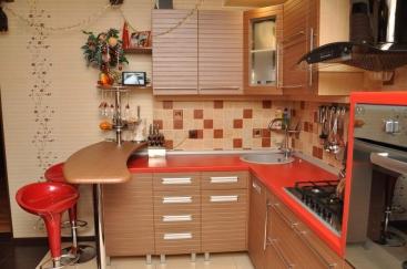 1628. Кухня по поръчка от МДФ с PVC покритие тъмен бук