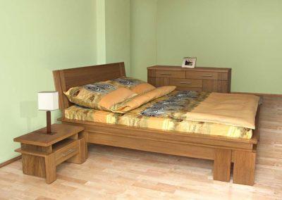 2104. Обзавеждане за спалня по поръчка от МДФ фурнир цвят орех