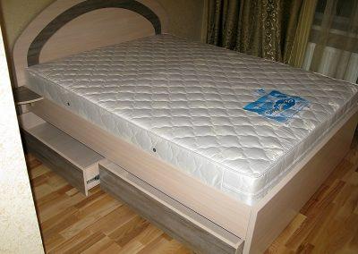 2112. Обзавеждане за спалня по поръчка от ПДЧ бреза и античен орех