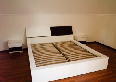 2123. Спалня и нощни шкафчета по поръчка от МДФ бяло и черно мат