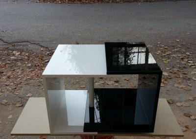 2301-А. Холна маса по поръчка от МДФ бяло и черно гланц