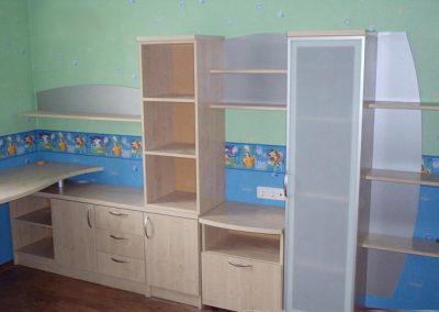 2401. Обзавеждане за детска стая по поръчка - секция с бюро за детска стая от ПДЧ бреза