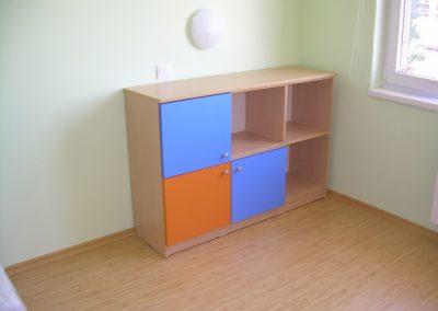 2409. Шкаф за играчки по поръчка от ПДЧ бреза,синьо и оранжево