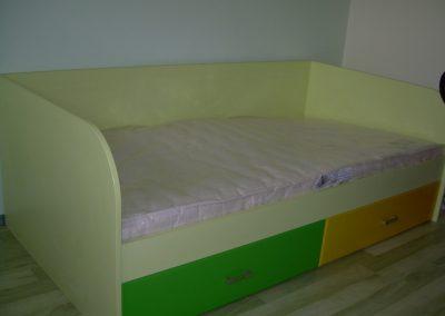 2411. Детско легло по поръчка от ПДЧ жълто с две чекмеджета МДФ зелено и жълто