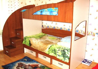 2413. Двуетажно детско легло по поръчка от ПДЧ тъмна вишна и бежoво