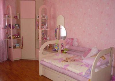 2433. Обзавеждане за детска стая по поръчка от МДФ розово и слонова кост