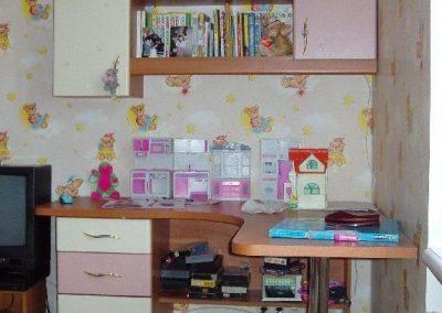 2436. Обзавеждане за детска стая по поръчка от ПДЧ калвадос и МДФ розово и слонова кост