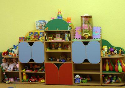 2441. Обзавеждане за детска градина по поръчка от ПДЧ синьо,зелено,червено