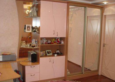 2455. Обзавеждане за детска стая по поръчка от ПДЧ бук и врати МДФ розово. Г