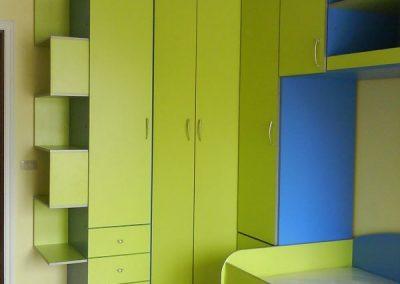 2458. Обзавеждане за детска стая по поръчка от ПДЧ синьо и зелено