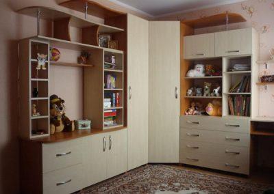 2459. Обзавеждане за детска стая по поръчка от ПДЧ череша и светло дърво