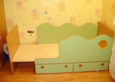2465. Детско легло по поръчка с фунция за по-голям матрак