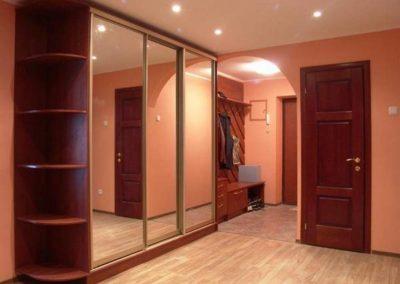 2624. Обзавеждане за антре(коридор) по поръчка ПДЧ калвадос и гардероб с плъзгащи огледални в