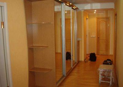 2638. Обзавеждане за антре(коридор) по поръчка ПДЧ дъб с гардероб с огледални плъзгащи врати
